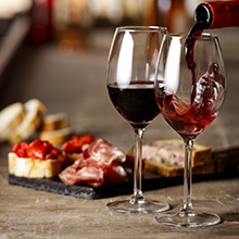Vinoteca / Delicatessen