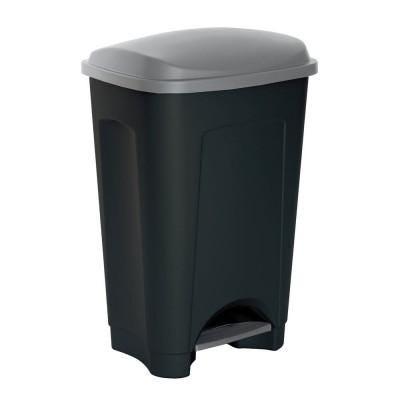 Cubos de basura y bolsas